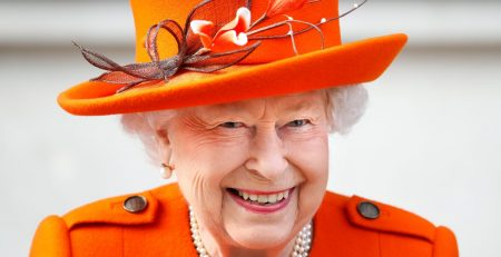 Now That She's an Instagram Influencer, Queen Elizabeth II Wore Pantone's Color of the Year