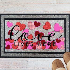 Love Lives Here Welcome Doormat