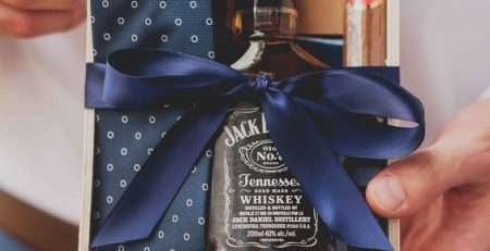 Practical And Coolest Groomsmen Gift Ideas For Your Squad
