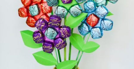 Easy Mothers Day Spring Chocolate Bouquet