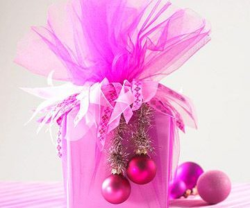 21 Pink Christmas Decor Ideas That Spread Instant Cheer