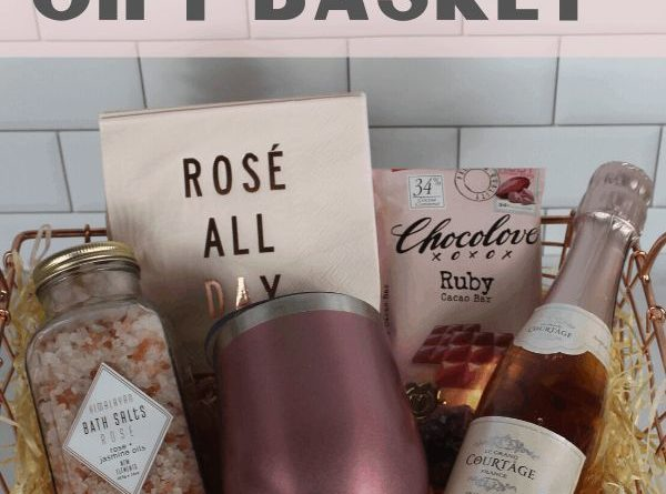 Cute DIY Rose Wine Gift Basket Idea For Women