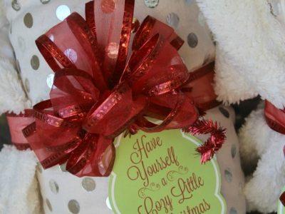 Cozy Little Christmas Tag Gift Idea
