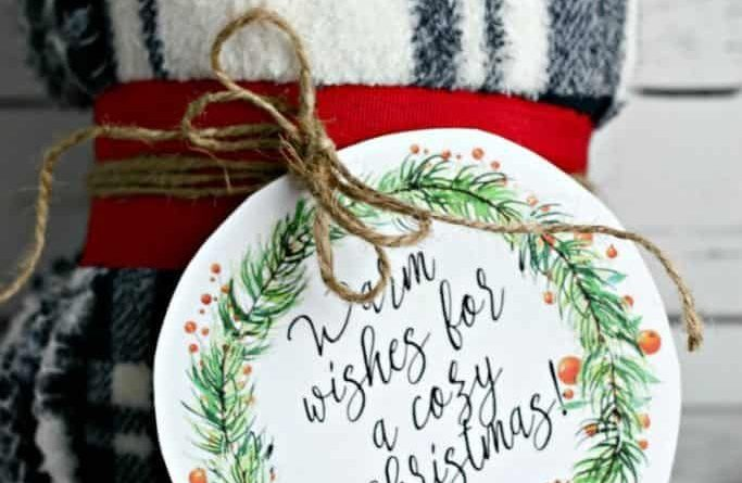 Last Minute Christmas Gift Blanket with Printable Gift Tag
