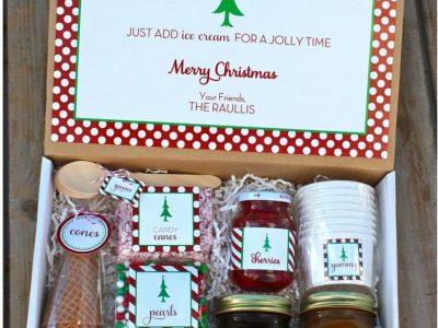 Read the full title Christmas Sundae Kit Printables